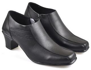 Sepatu Kerja Boots Wanita PUC 714