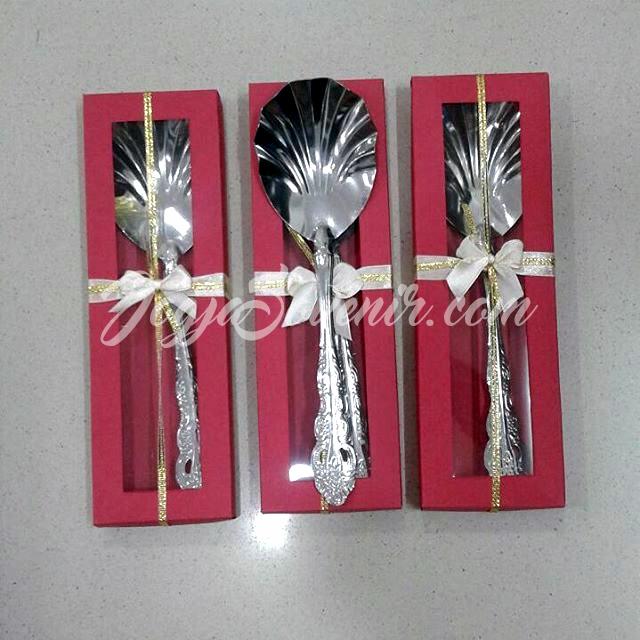 souvenir pernikahan sendok garpu besar