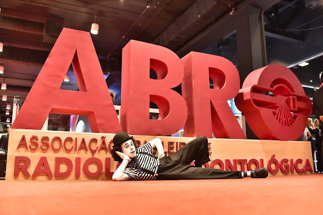 Atração mímico de Humor e Circo para eventos congressos feiras e exposições em São Paulo.