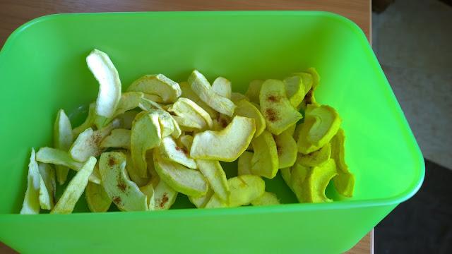 getrocknete  Apfelschnitze ein leckerer Snack (c) by Joachim Wenk