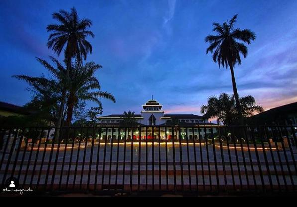 Gedung Sate Bandung Tempat Bersejarah Sekaligus Tempat Penuh Misteri