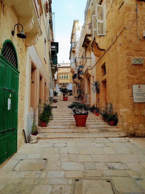 Sincerely Loree: The streets of Birgu