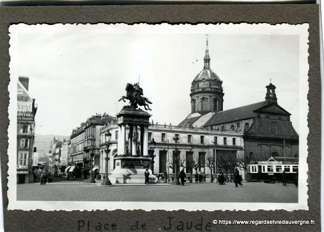 Photo ancienne : Clermont-Ferrand, place de Jaude 1937