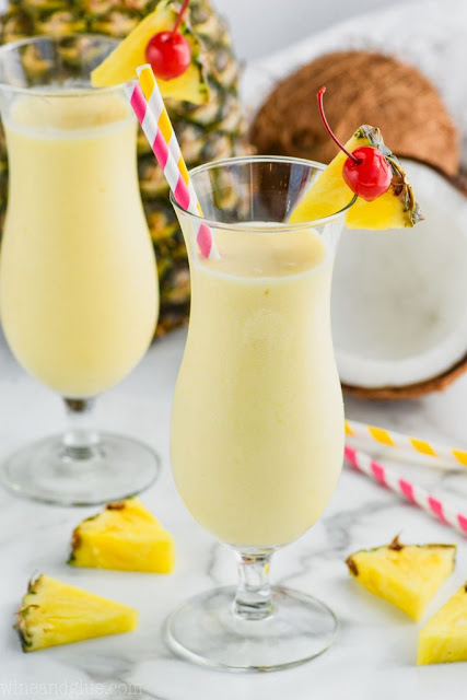 PINEAPPLE AND COCONUT COCTEL