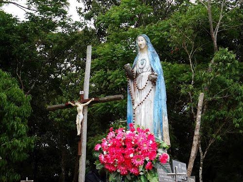 Tượng Đức Mẹ Măng Đen