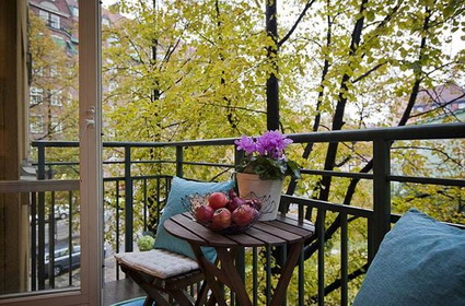 Tips For Decorating Small Balconies On a Budget 3
