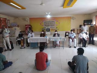 भैरवगढ़ जेल में 36 विचाराधीन बन्दियों को जुर्म स्वीकार कर लिये जाने पर रिहाई के आदेश जारी किये गये
