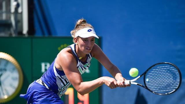 Belga Elise Mertens tem duas vitórias no dia e se garante nas quartas de duplas e oitavas individuais