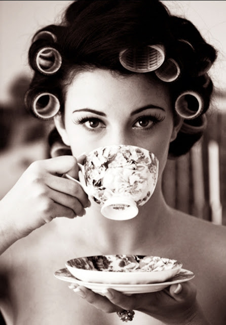 "<img src=""Woman drinking tea.png"" alt=""A woman drinking tea, things to do before 8 am"">"