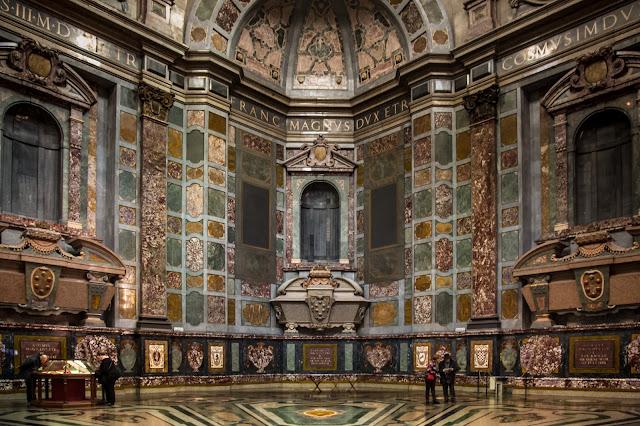 Vista de la Capilla Medici :: Canon EOS5D MkIII | ISO3200 | Canon 24-105@24mm | f/4.0 | 1/13s