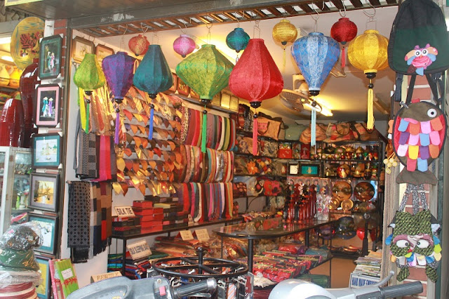 Famous Shopping Streets in Hanoi Old Quarter 4