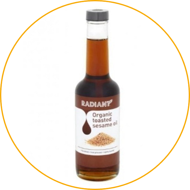Radiant Whole Food Radiant Organic Toasted Sesame Oil This sesame oil is very rich in flavor. The aroma is also strong because it doesn't contain any additives. As a result, with just a few drops, sesame oil is able to enrich the taste of all types of dishes. Very economical use, right? For those of you who want to save money, choosing this product is certainly a smart solution!