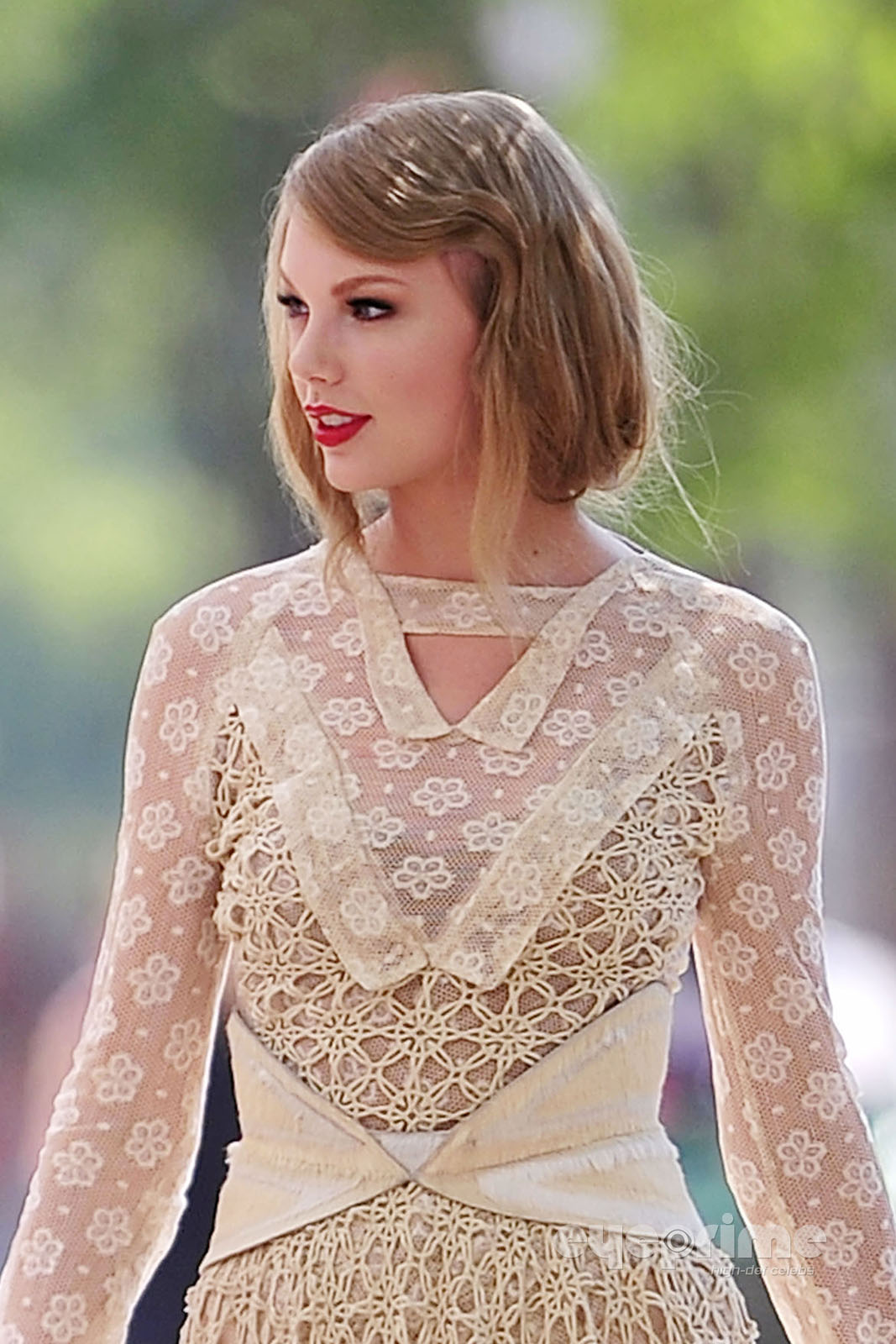 I am Who I am Stand  Stare Taylor Swift is spotted