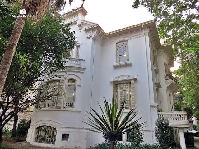 Vista ampla da fachada do Palacete do  IPHAN-SP - Santa Cecília - São Paulo