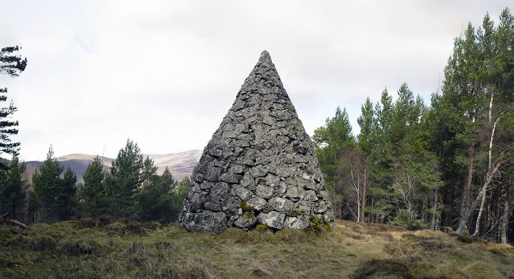 The cairn dedicated to Prince Arthur's marriage