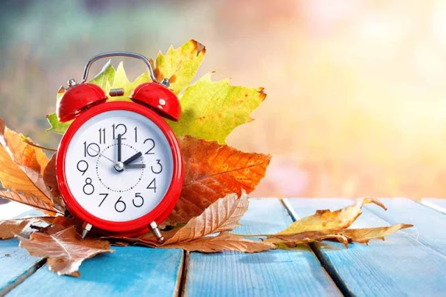 Перехід на зимовий час в Україні: Коли переводити стрілки годинника і як не захворіти через зміну часу