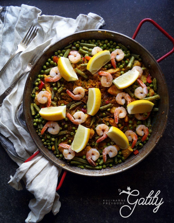 Hiszpańska paella, czyli obiadowe danie z zielonym groszkiem