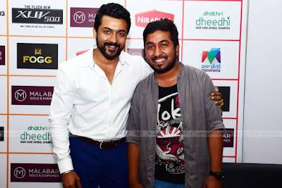 Suriya-With-Vineeth-Sreenivaasan-at-Amma-Mazhavillu-Film-Awards-HD-Photos