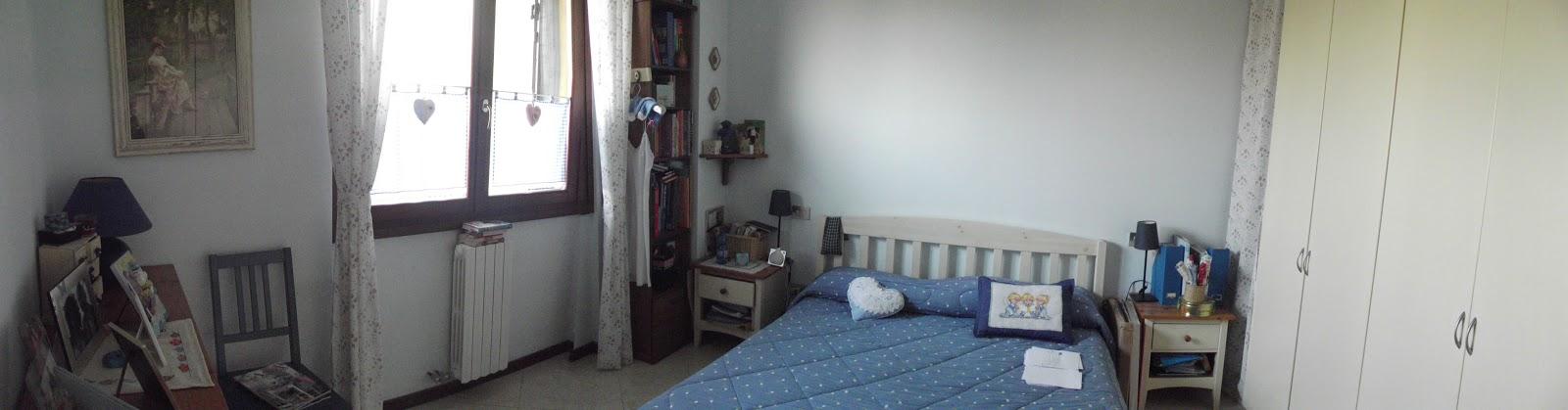 A country dreaming mum la mia camera da letto for Mensola sopra letto
