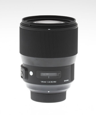 Sigma 135mm f/1.8 DG HSM Art, окно со шкалой расстояний
