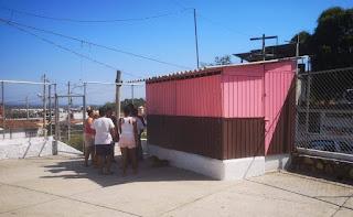 Notifica Vía Pública caseta comercial irregular en El Coloso