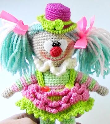 Сlown crochet