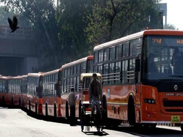 समस्तीपुर से कांवरिया के वेश में शराब पीने देवघर गए 15 लोग आपस में उलझे, एक व्यक्ति को चलती बस से फेंका