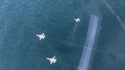 Chiến đấu Cơ F-16 của Thổ Nhĩ Kỳ che bóng máy bay chiến đấu Su-24 của Nga