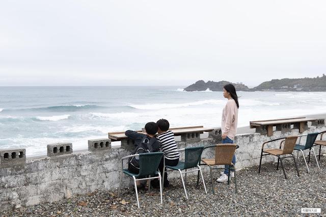 【大叔生活】2021 又是六天五夜的環島小筆記 (上卷) - 烏石鼻海灘近在咫尺,來杯手沖咖啡很幸福