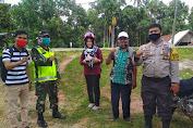 Babinsa, Bhabinkamtibnas dan Perangkat Desa Punti Kalo Gelar Komsos Bersama