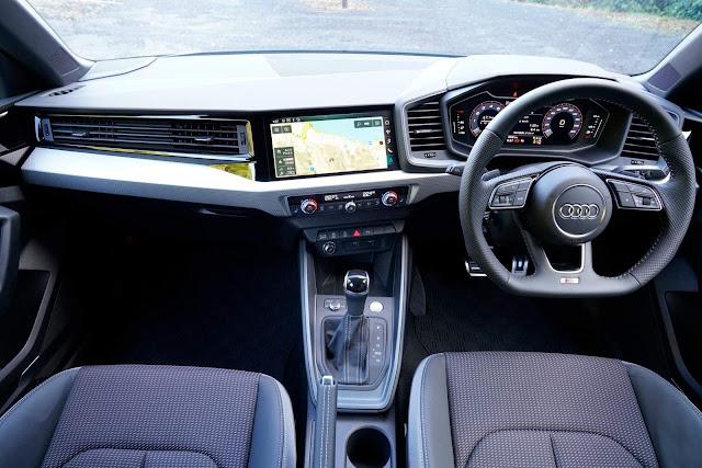 Audi lança nova geração do A1 no Japão - fotos e preços