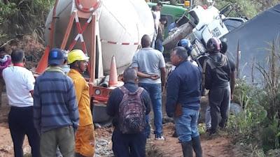 Accidente de un camión paraliza la vía entre Chocó y Risaralda a la altura de Pueblo Rico