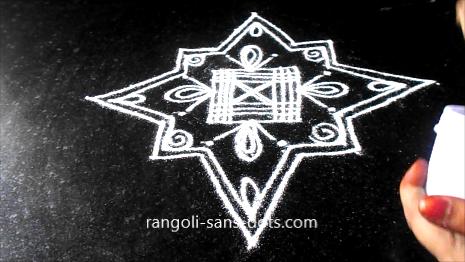 muggulu-with-lines-44ad.jpg