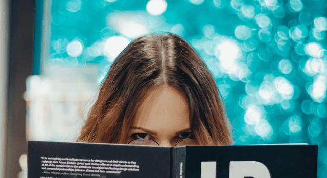 Memahami Teks Anekdot Gara-Gara Takut Istri dan Pembahasannya