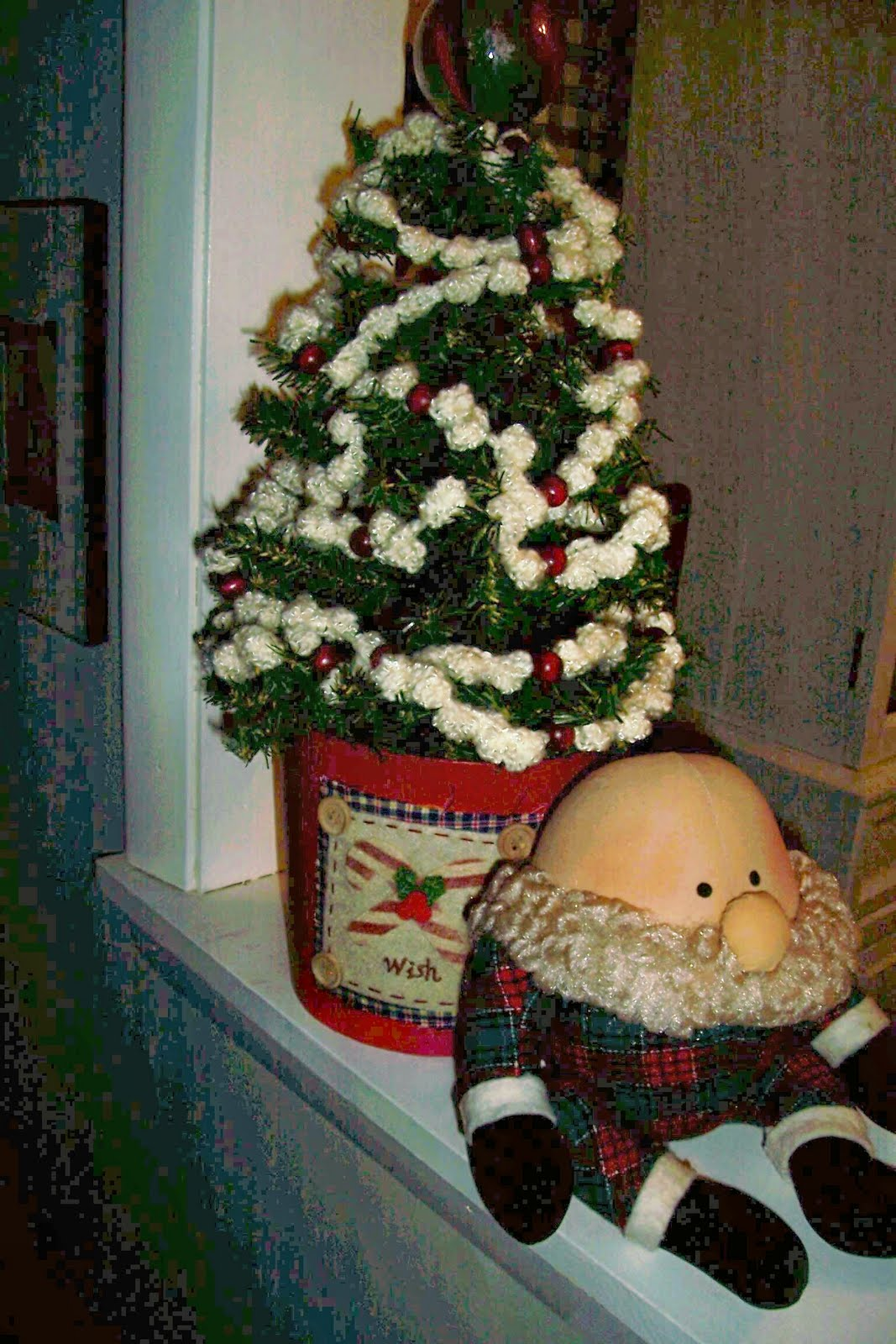 A Primitive Plot Popcorn Christmas Garland