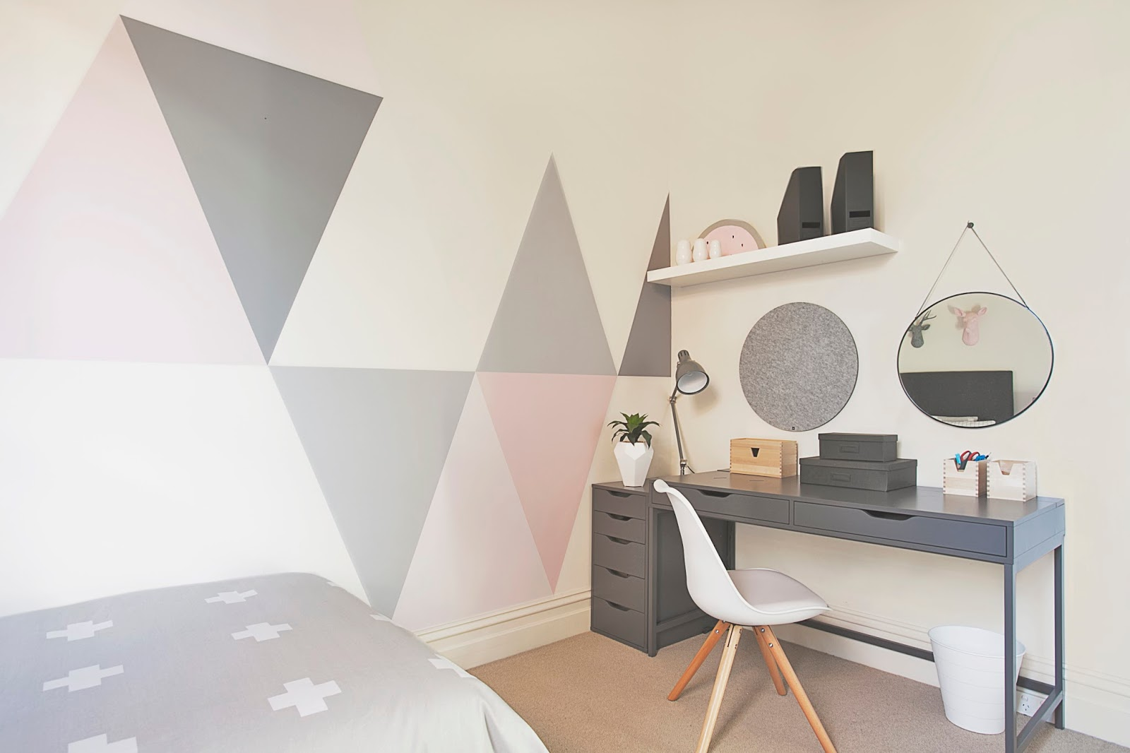 Little liberty tween triangle - Papel de pared gris ...