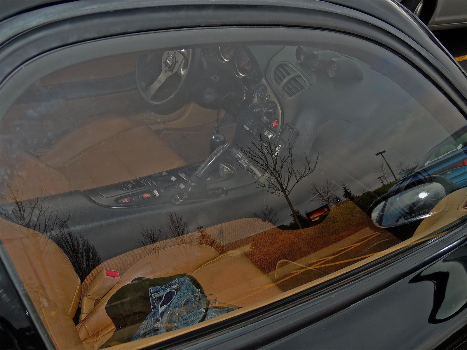 Insomniac Garage: Parking Lot Sighting: Mazda RX7 FD