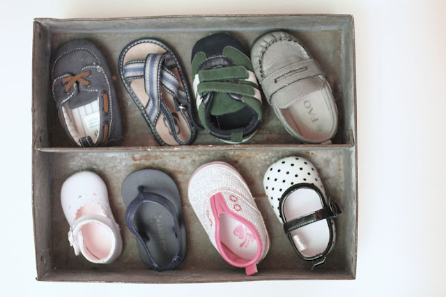 Rustic & Industrial Baby Shoe Shadow Box // Craftivity Designs