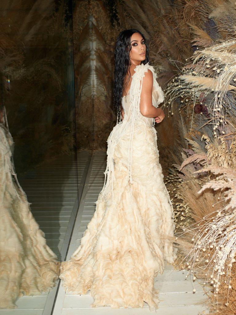 Kim Kardashian - Alexander McQueen 2003 Oyster Shipwrecked Dress