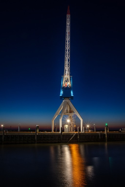 Harbour Crane Hotel in Holland
