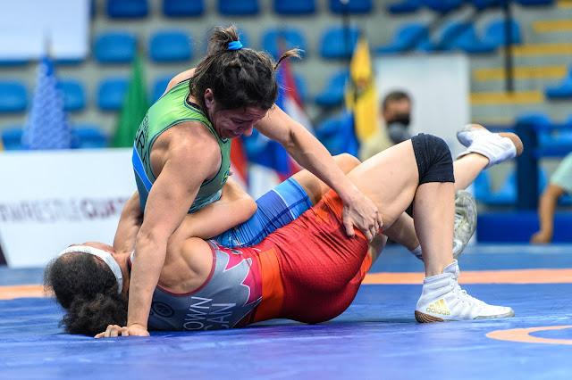 Giullia Penalber fez a final do Pan-Americano de wrestling com uma canadense