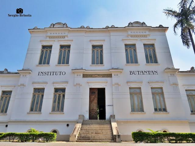 Vista ampla do Edifício Vital Brazil (Biblioteca) - Instituto Butantan - São Paulo
