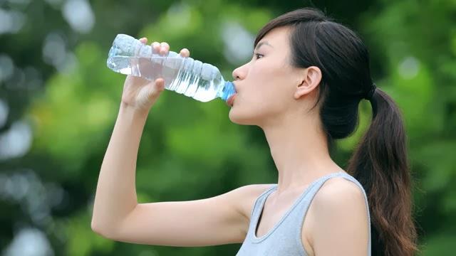 fakta-pentingnya-minum-air-putih