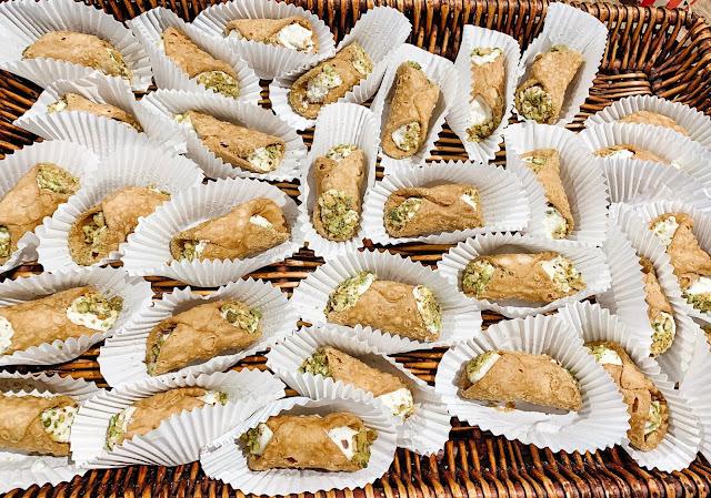 Cannoli italian dessert