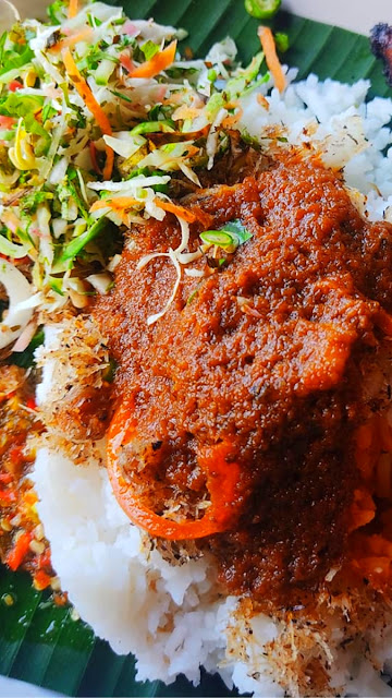 Sarapan pagi food delivery menu nasi kerabu biru ayam bakar Kelantan