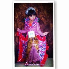 Contoh Kebaya Anak Perempuan Untuk Hari Kartini Model Klasik Modern