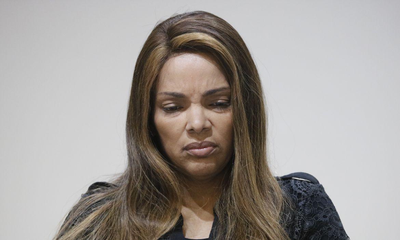 Juíza do RJ determina que deputada Flordelis use tornozeleira eletrônica