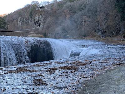 吹割の滝のアップ