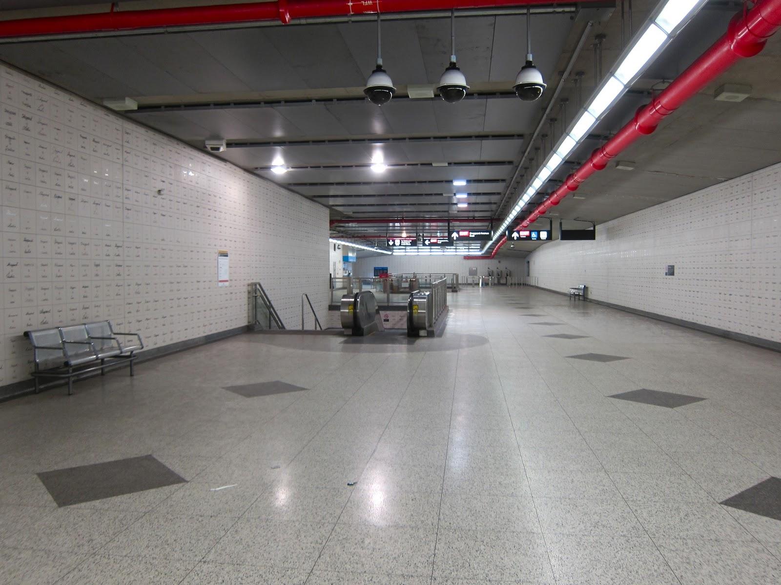 Leslie station concourse