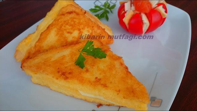 Tavada tost tarifi  oldukça kolay ve pratik bir kahvaltılık tarifi. Sabahları tost makinasının saatlerce ısınmasını beklemek istemeyenler için 10 numara bir tarif. Çocuklar ve bebekler içinde yapılabilecek yumuşak bir tost tarifi.